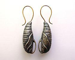 Sphinx Pupa earrings