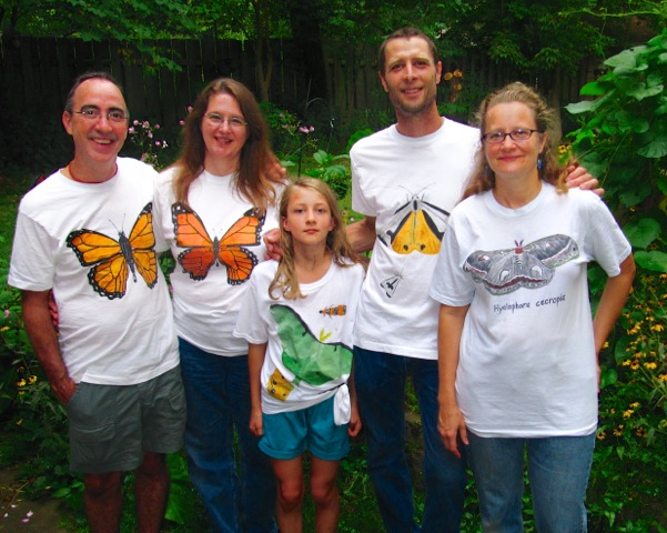Wild Backyard Party : Judy Ganance (R) and the Wild Backyard Party attendees GREAT tee